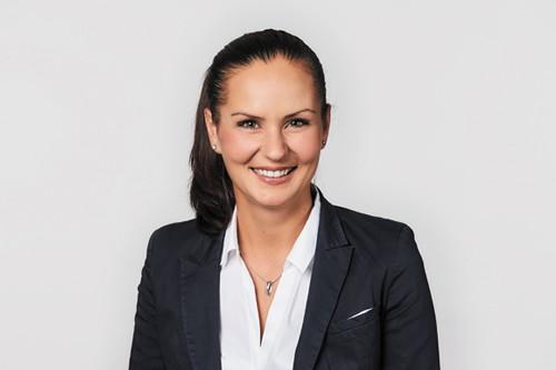 Nadine Przyhodnik, Business Development HR