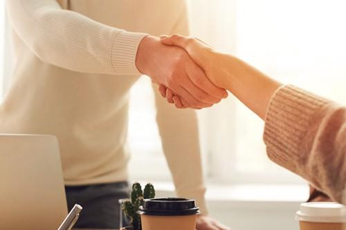 Onboarding, Handshake, Chatbot für Human Resources (HR)